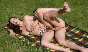 Hairy Pussy Outdoors Porn